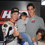 El ganador de nuestro concurso, #H43VAVEL con nuestros pilotos de Moto2.